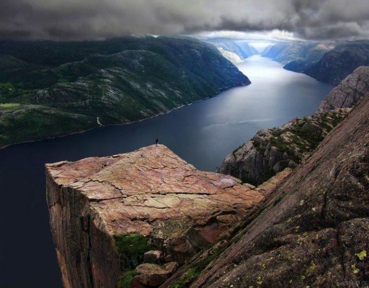 192827-Preikestolen-Norway-fjord-clouds-cliff-mountain-sea-green-blue-nature-landscape-748x584