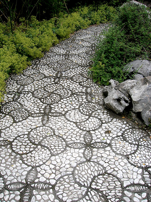 garden-pebble-stone-paths-6